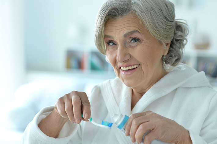 5 Things Caregivers Can Do to Ensure Good Dental Care for Seniors