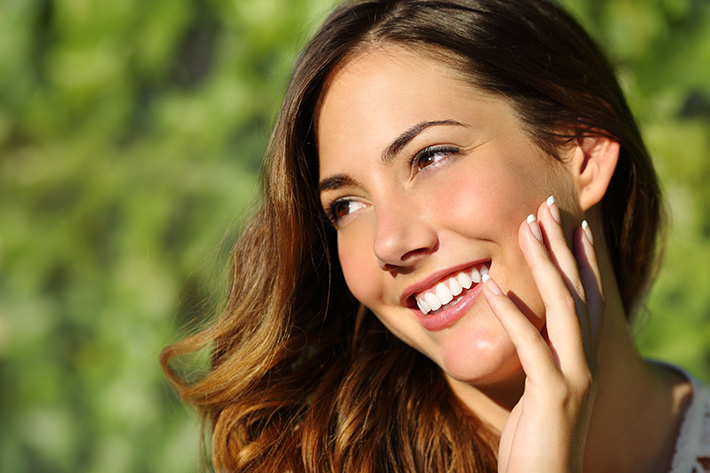 How Veneers Can Help Common Teeth Imperfections – Commerce Dentist
